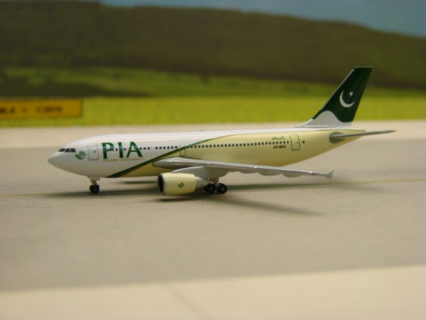 Airbus A310-300 PIA Pakistan International