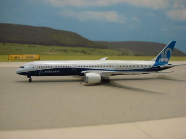 Boeing 787-10 Boeing House Colours