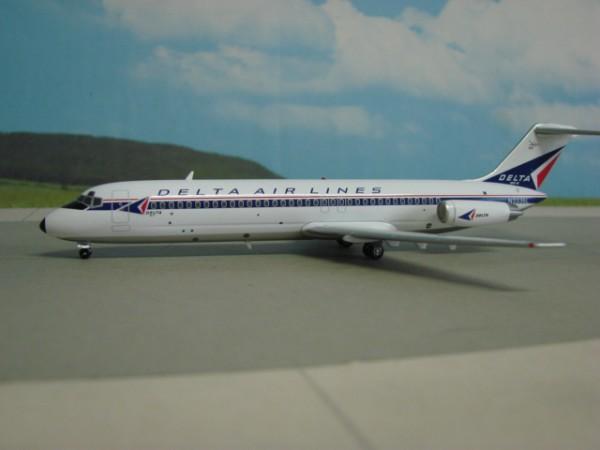 Douglas DC-9-32 Delta Air Lines