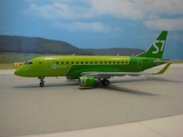 Embraer E170 S7 Siberia Airlines