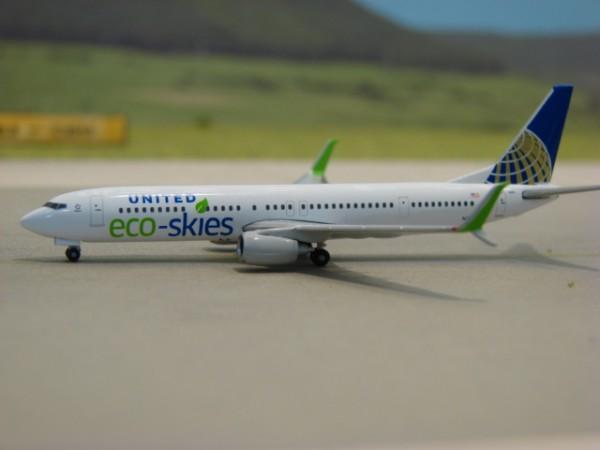 Boeing 737-900ER United Airlines