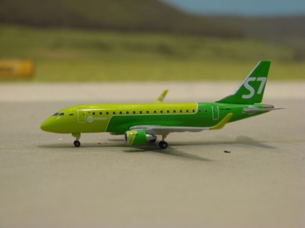 Embraer E170 S7 Airlines