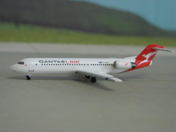 Fokker 100 Qantas Airways