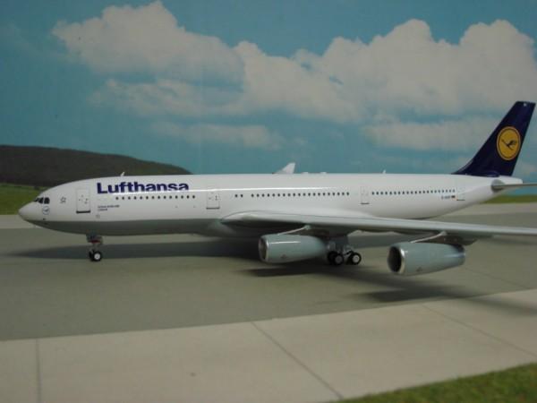 Airbus A340-200 Lufthansa