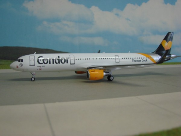 Airbus A321-200 Condor