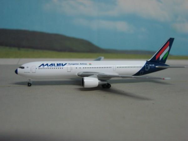 Boeing 767-300 Malev