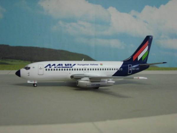 Boeing 737-200 Malev