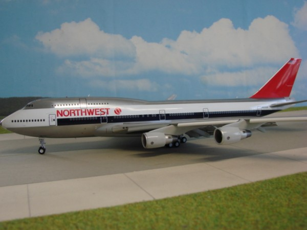 Boeing 747-400 Northwest Airlines
