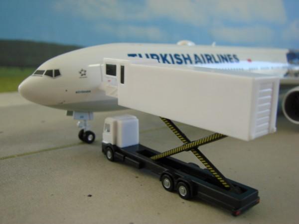 Scenix - A380 Cateringfahrzeug
