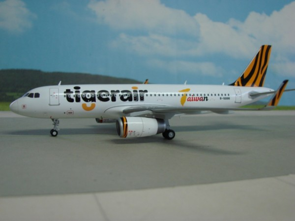JC Wings 1:200 JC2224 Airbus A320-200 Tigerair Taiwan