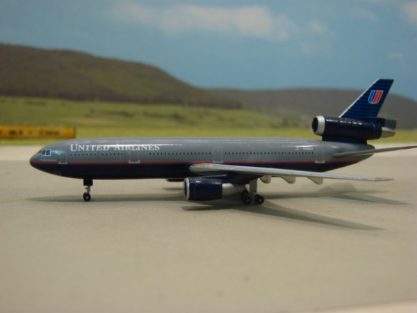 McDonnell Douglas DC-10-30 United Airlines