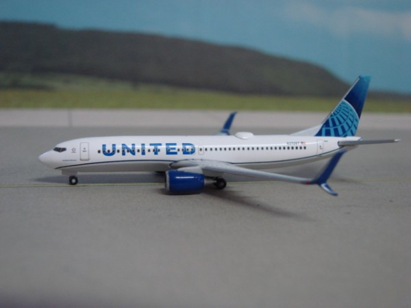 Boeing 737-800WL United Airlines