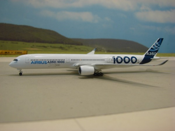 Airbus A350-1000 Airbus House Colours