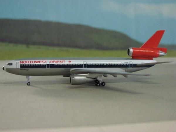 McDonnell-Douglas DC-10-30 Northwest Orient Airlines
