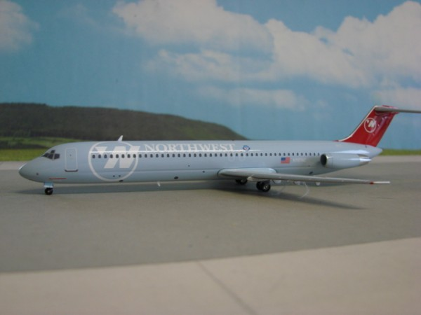 Douglas DC-9-51 Northwest Airlines