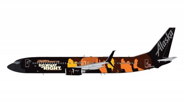 Boeing 737-900ER Alaska Airlines