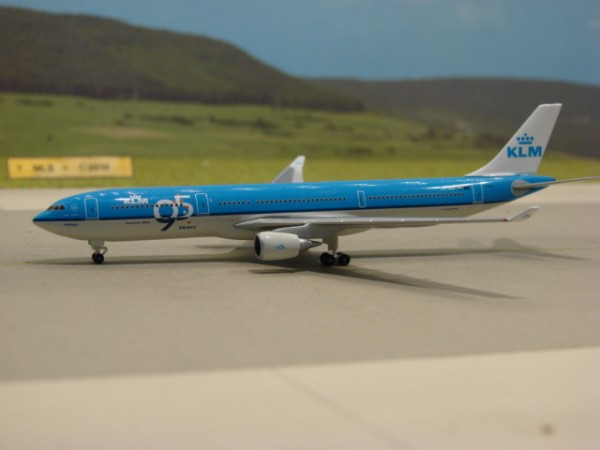 Airbus A330-300 KLM Royal Dutch Airlines