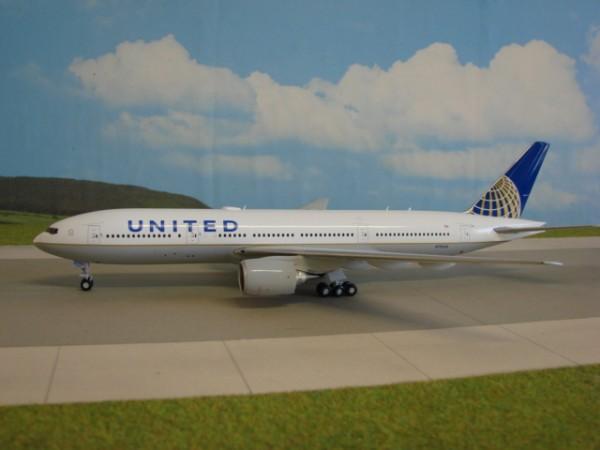 Boeing 777-200ER United Airlines