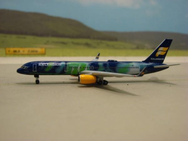 Boeing 757-200WL Icelandair