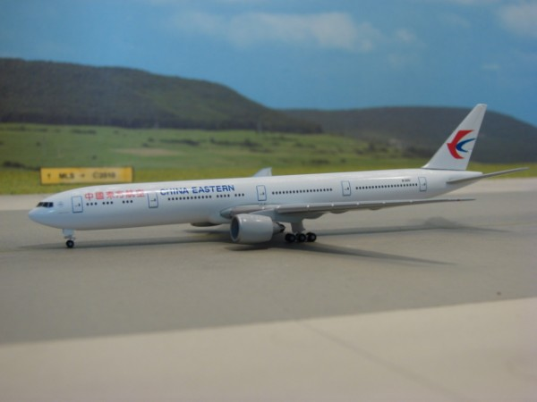 Boeing 777-300ER China Eastern Airlines