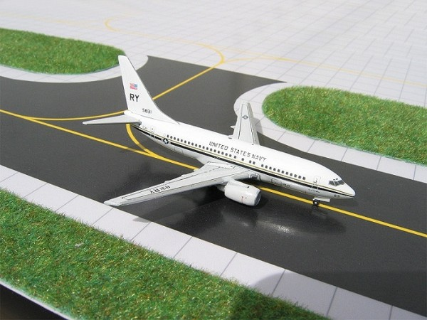 Boeing 737-300 (C-40) US Navy