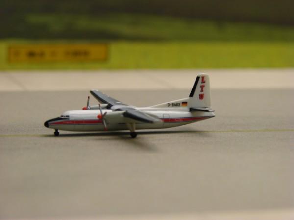 Fokker 27 und Douglas DC-4 LTU