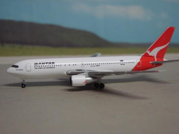 Boeing 767-200 Qantas Airways