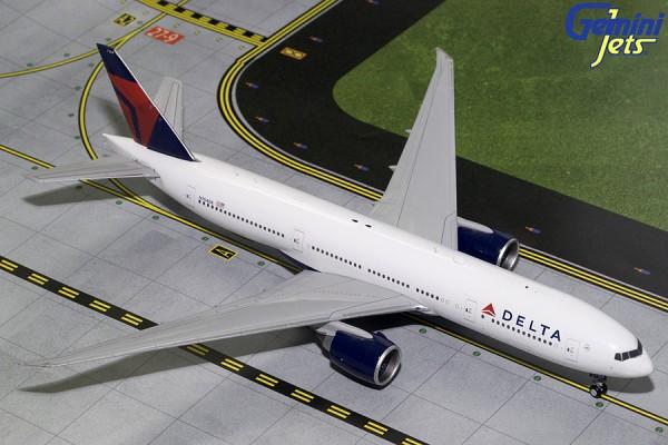 Boeing 777-200LR Delta Air Lines