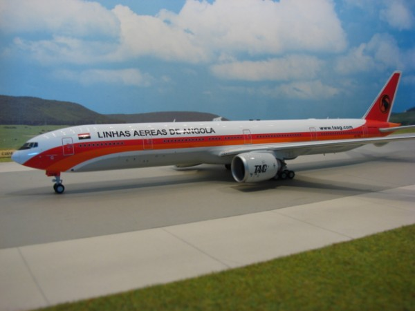 Boeing 777-300ER TAAG Angola Airlines