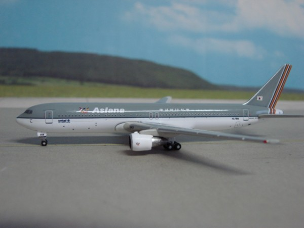 Boeing 767-300 Asiana Airlines
