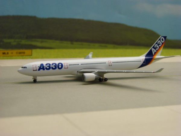 Airbus A330-200 Airbus Industries