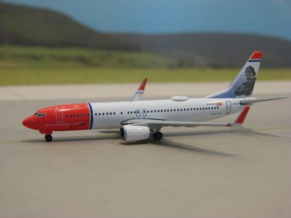 Boeing 737-800WL Norwegian Air Shuttle