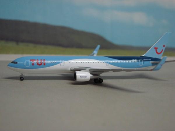 Boeing 767-300 TUI Airlines Belgium