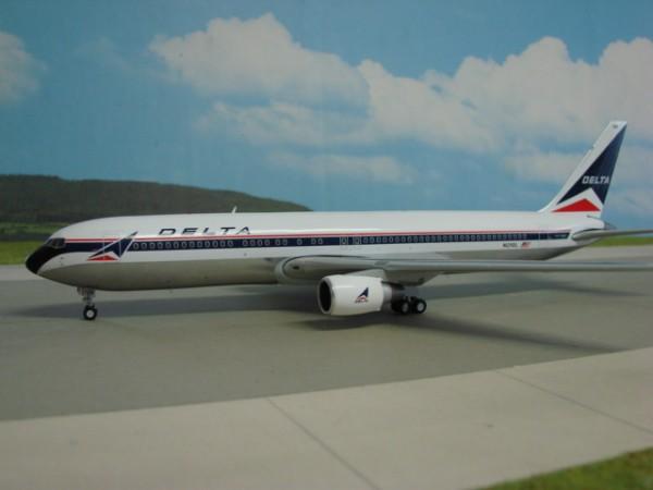 Boeing 767-300 Delta Air Lines