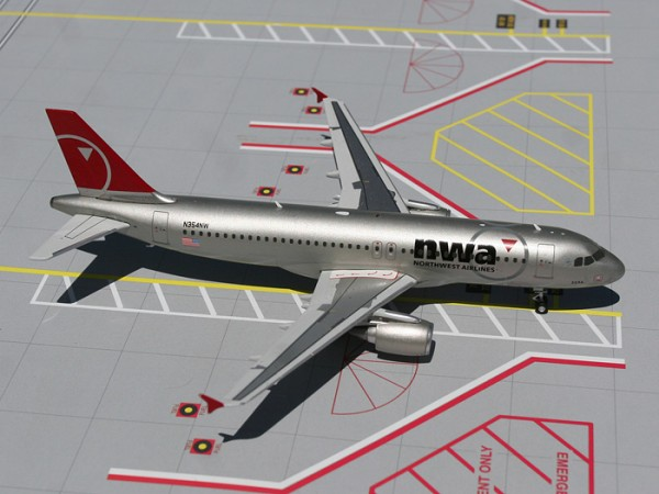 Airbus A320-200 NWA Northwest Airlines