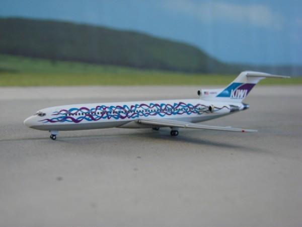 Boeing 727-200 KIWI International Airlines