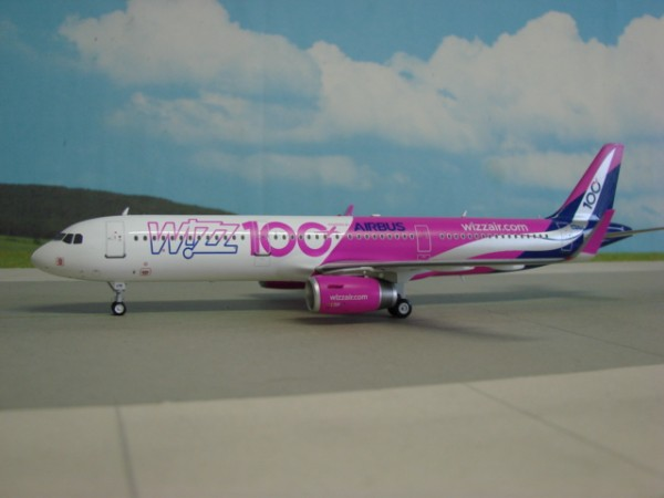 Airbus A321-200 WIZZ Airlines