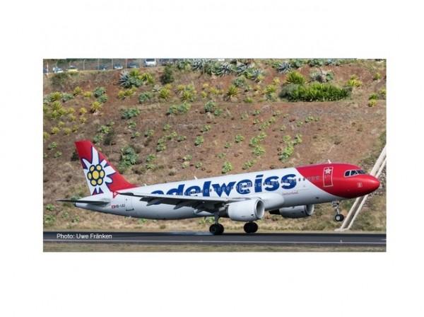 Airbus A320-200 Edelweis Air