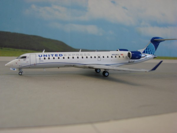 Bombardier CRJ-550 United Airlines Express