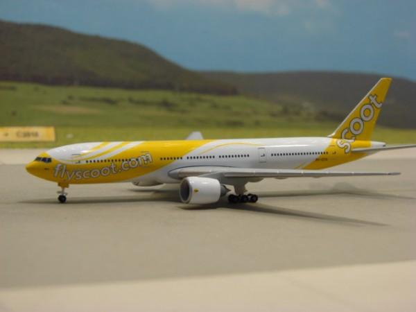 Boeing 777-200 NokSCOOT Airlines