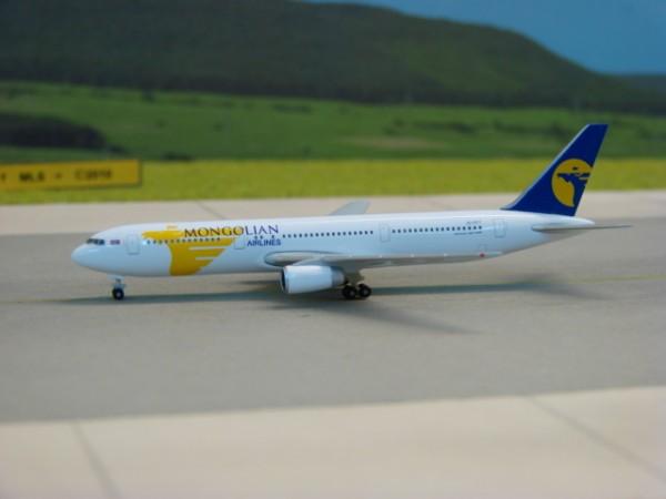 Boeing 767-300 MIAT - Mongolian Airlines