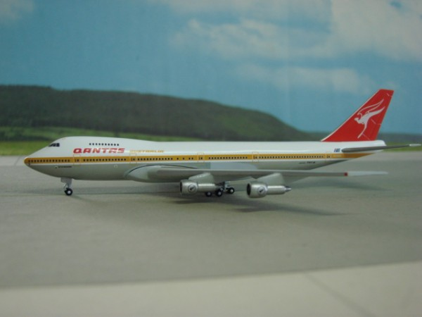Boeing 747-200 Qantas Airways