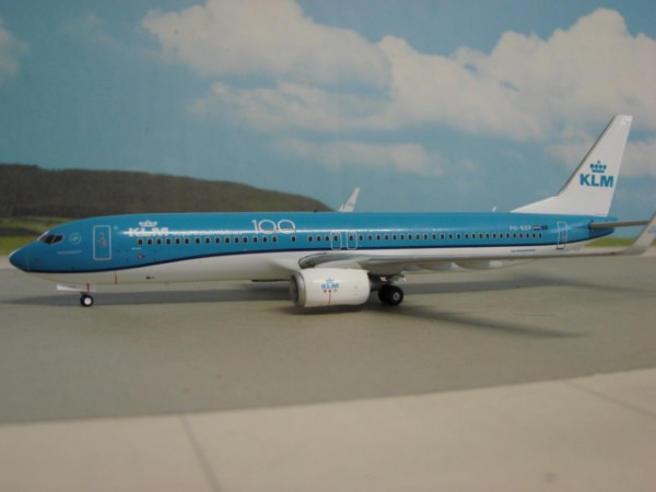 Boeing 737-900 KLM Royal Dutch Airlines